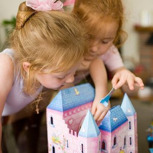 DOLL'S HOUSES AND PLAYSETS